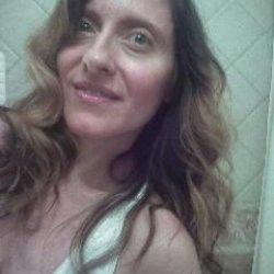 Me llamo Ana Maria y me gusta conocer gente.