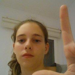 Chica de Madrid que vive en menorca y busca amista