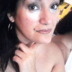Mujer 42 años,relación seria