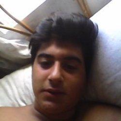 Kiero un chico gays para follar conel todos los días en la cama