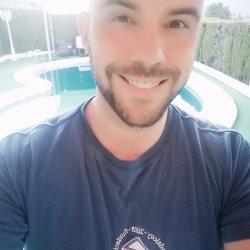 Chico de 33 años, soy coach de crecimiento personal, masajista