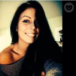 Chica soltera busca chicos jovenes