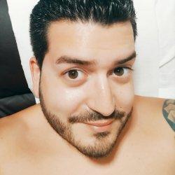 Hola :) busco a alguien con quien quedar, tomar algo, disfrutar