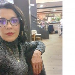 Hola soy una chica rumana tengo 42 años busco una persona