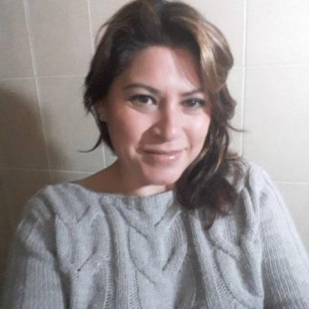 MUJER ANSIOSA DE PLACER
