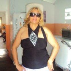 Rubia de 43 años busca hombres para cita