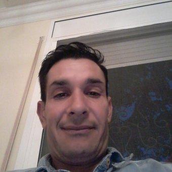 Hola me llamo dari tengo 35 anyos estoy buscando una chica cinsera