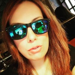 chica busca chico para charlas online