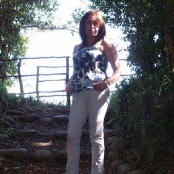 Rosa Mari de Badalona, busco relación seria con hombre adulto, culto y sensato