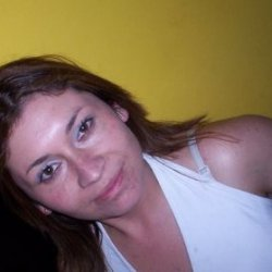Hola, buenas noches me llamo Rosa Mari y estoy buscando el amor por estos sitios