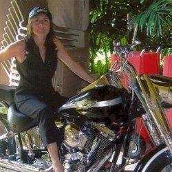 Quiero vivir emociones fuertes y nuevas experiencias, soy de Cadiz y tengo 41 años
