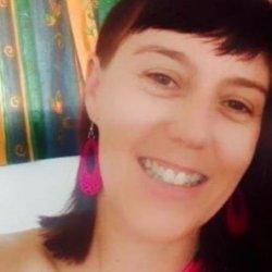 mujer joven busca hombre maduro en Tarragona