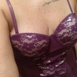 Busco una relación amorosa sin ataduras con mucho sexo soy amorosa