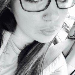 mujer madura busca relacion con joven Melilla