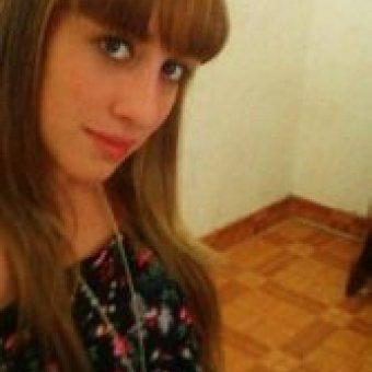 Me llamo Lola y vivo en Cádiz