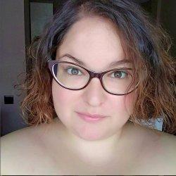 Soy una chica curvy, con ganas de conocer chicas
