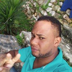 Hola me llamo natanael tengo 32 años soy un hombre alegre