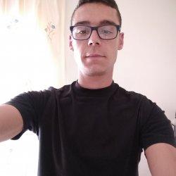 Hola me llamo sergio soy de cartagena centro tengo 26 estoy buscando por aquí alguna en Cartagena, Murcia
